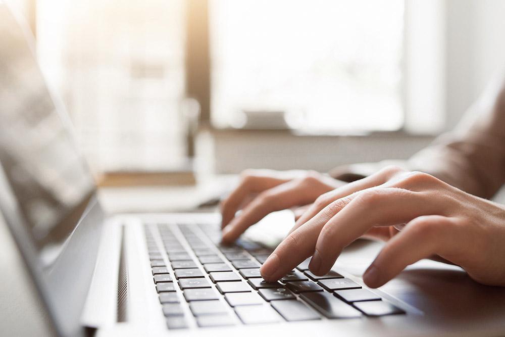 Control por el empresario de la cuenta de correo profesional del trabajador